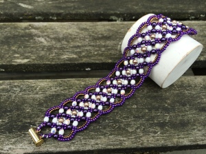 Armband Maroon Purple & White