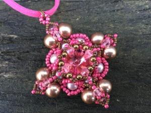 Hanger Filled Square Pink