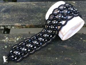 Armband Maroon Black