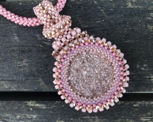 2c524342395 Made by Daphne | handgemaakte sieraden